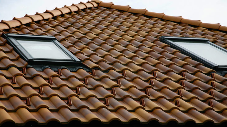 Clay roof riles